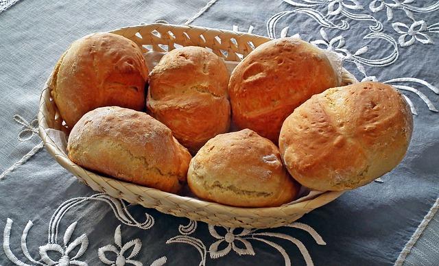 Jak upiec domowy chleb i bułki 1