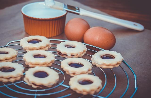Jak zrobić lukier z cukru pudru na ciasto 1